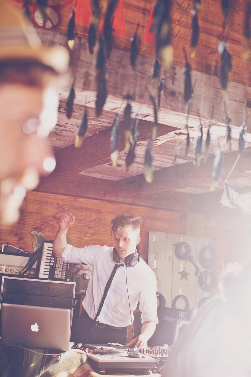 Five Things A Wedding DJ Can Give You That An iPod Can't