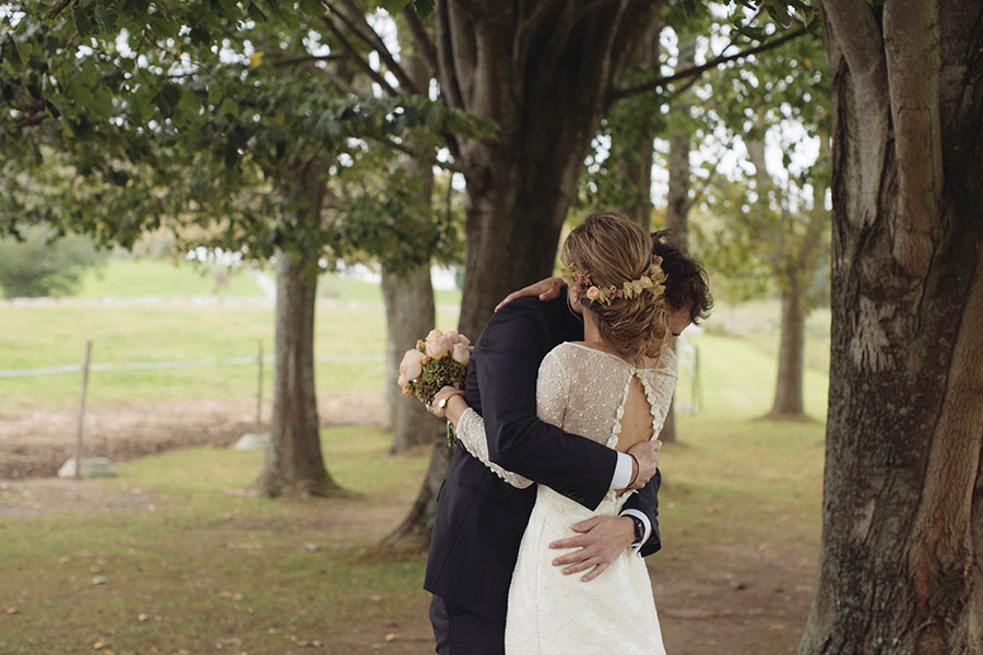 A Romantic Autumnal Boho Wedding in Basque Country: Miren & Carlos