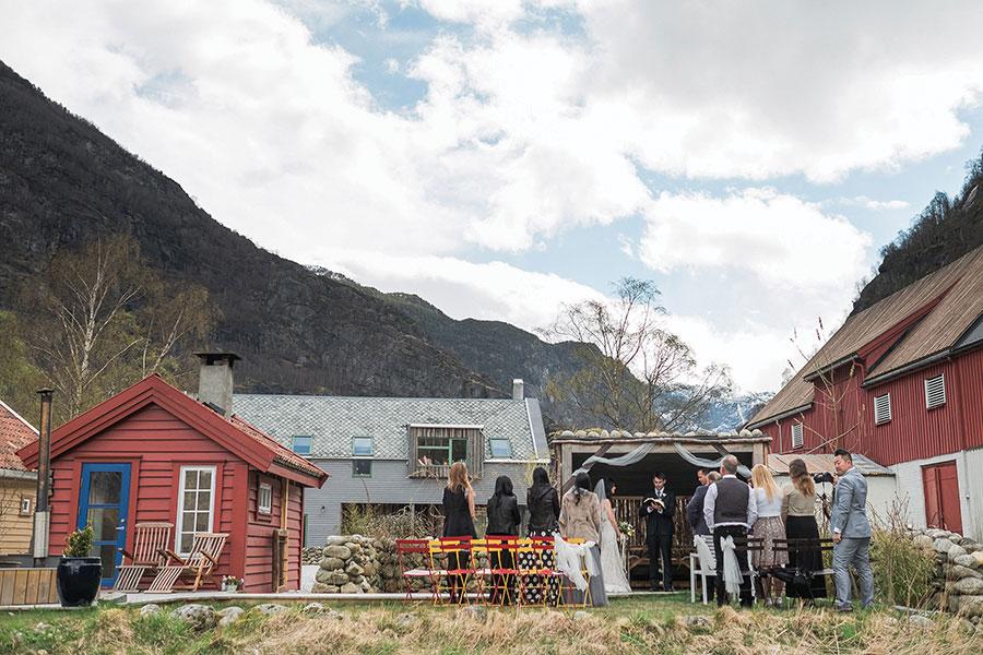 breathtaking-scenic-wedding-in-norway20160914_0107