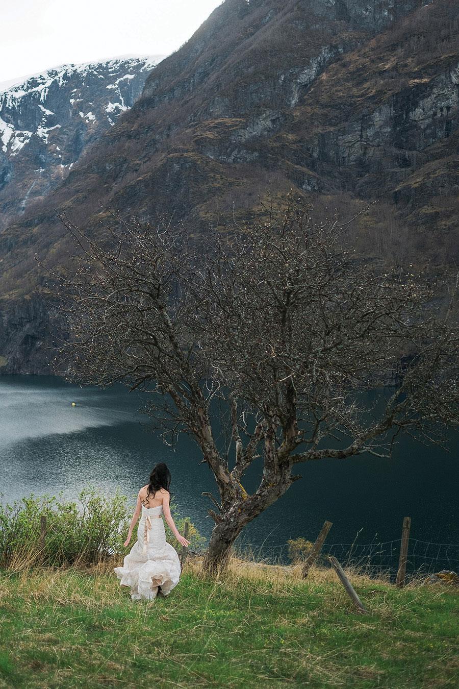 breathtaking-scenic-wedding-in-norway20160914_0171