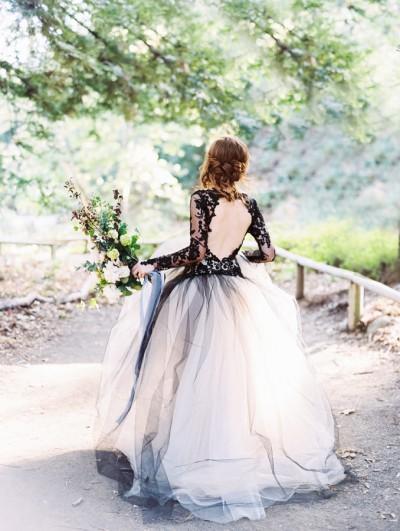 halloween wedding stylemepretty-com-lunademarephotography-com_mini