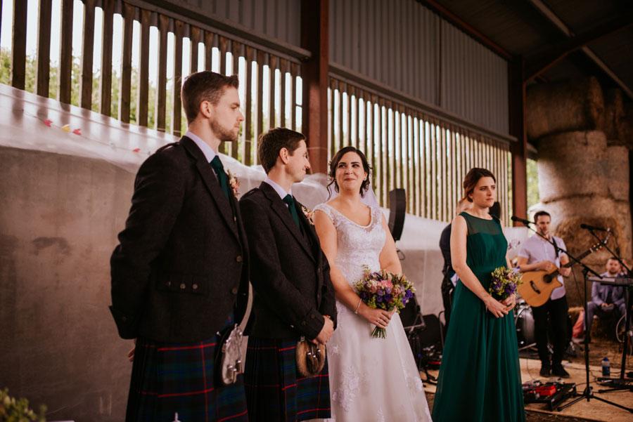 eclectic-diy-rustic-farm-wedding-with-hunter-green-colour-scheme-amy-martin015