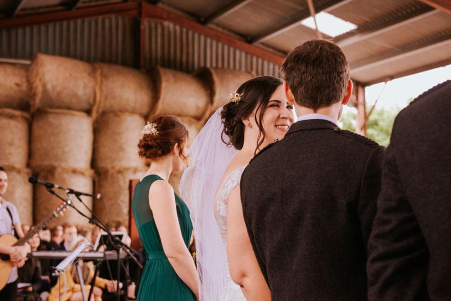 eclectic-diy-rustic-farm-wedding-with-hunter-green-colour-scheme-amy-martin016