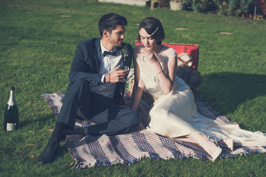 Glamorous 1930s House Party Wedding Shoot in Navy, Pink & Gold001