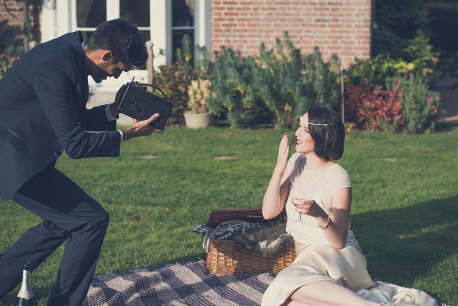Glamorous 1930s House Party Wedding Shoot in Navy, Pink & Gold006