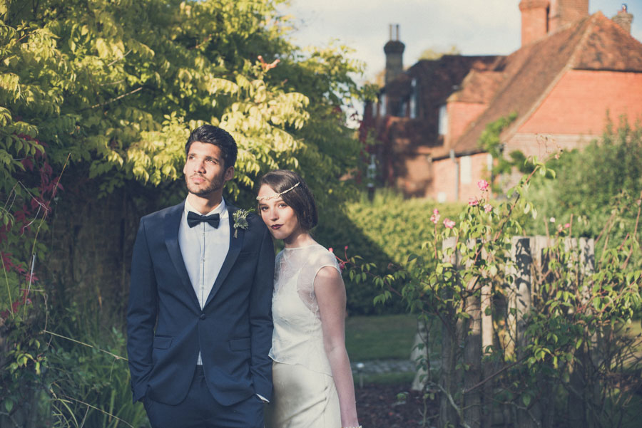 Glamorous 1930s House Party Wedding Shoot in Navy, Pink & Gold011