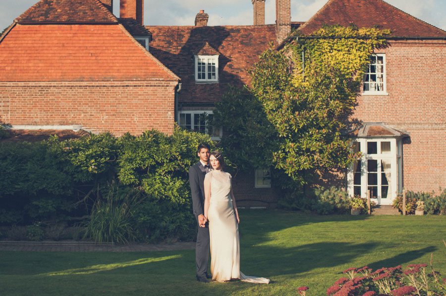 Glamorous 1930s House Party Wedding Shoot in Navy, Pink & Gold012