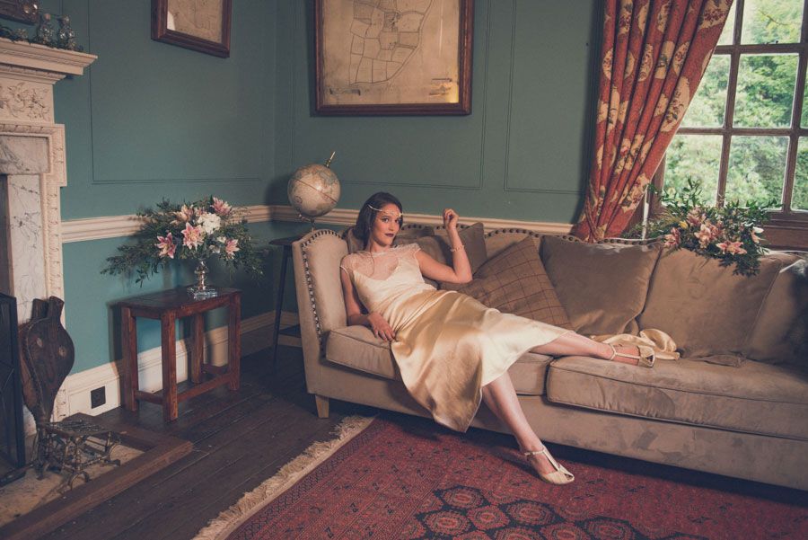 Glamorous 1930s House Party Wedding Shoot in Navy, Pink & Gold017