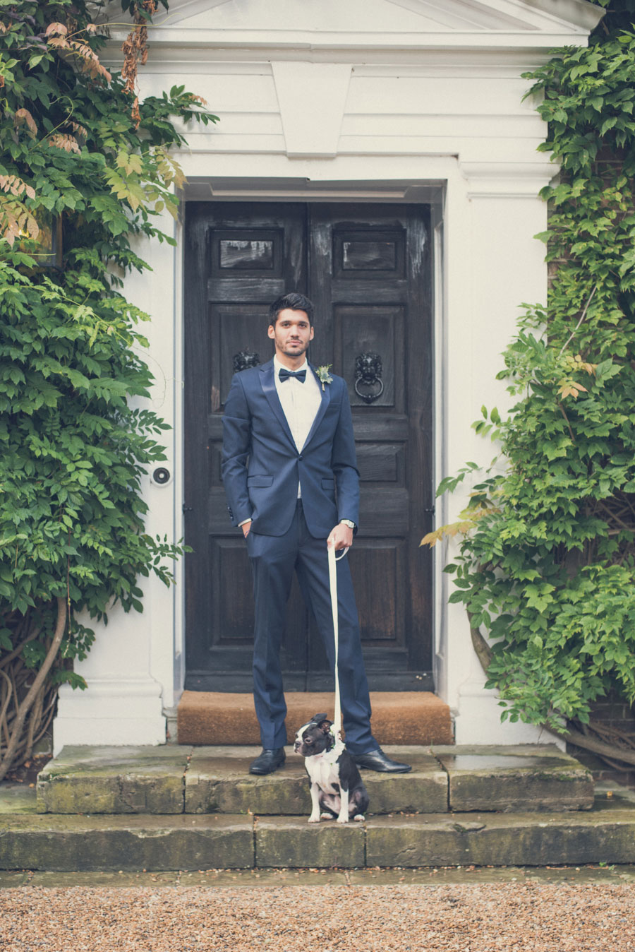 Glamorous 1930s House Party Wedding Shoot in Navy, Pink & Gold056