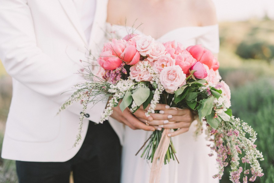 7 WOW Wedding Bouquet Ideas For Your 2017 Wedding!