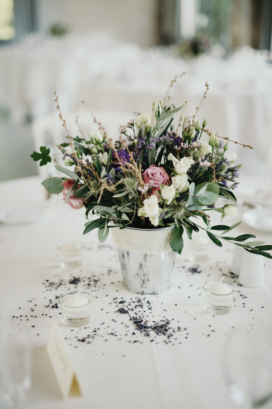 How To Use Pretty Petals Throughout Your Spring Wedding