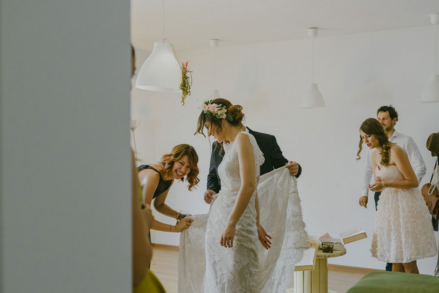 A Boho, Rock n' Roll Wedding With Old Romanian Traditions0027