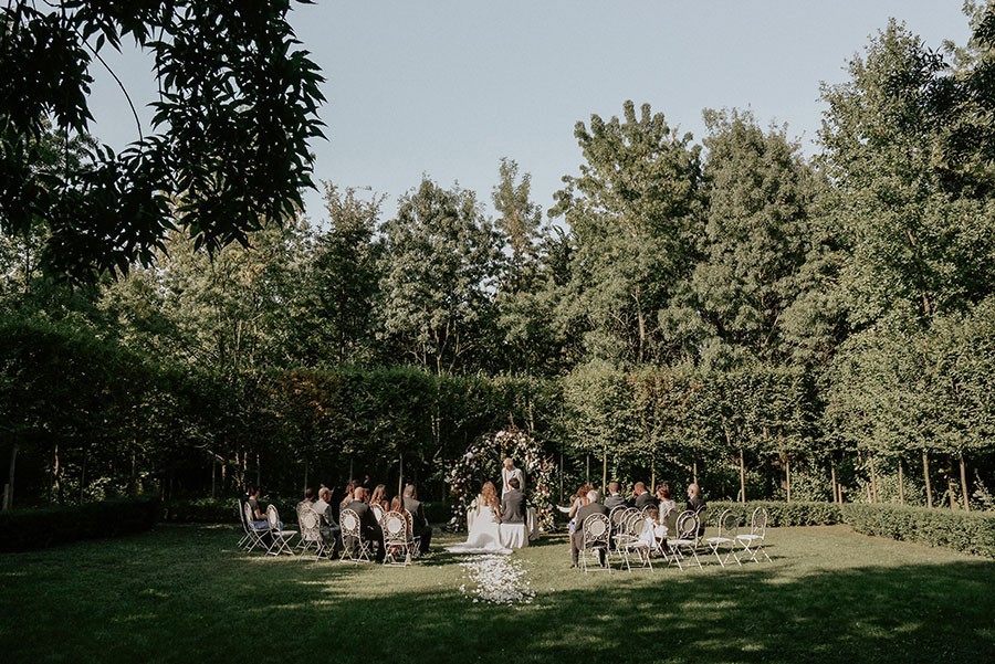 A Wonderful Garden Wedding With Dinner In The Woods!0026