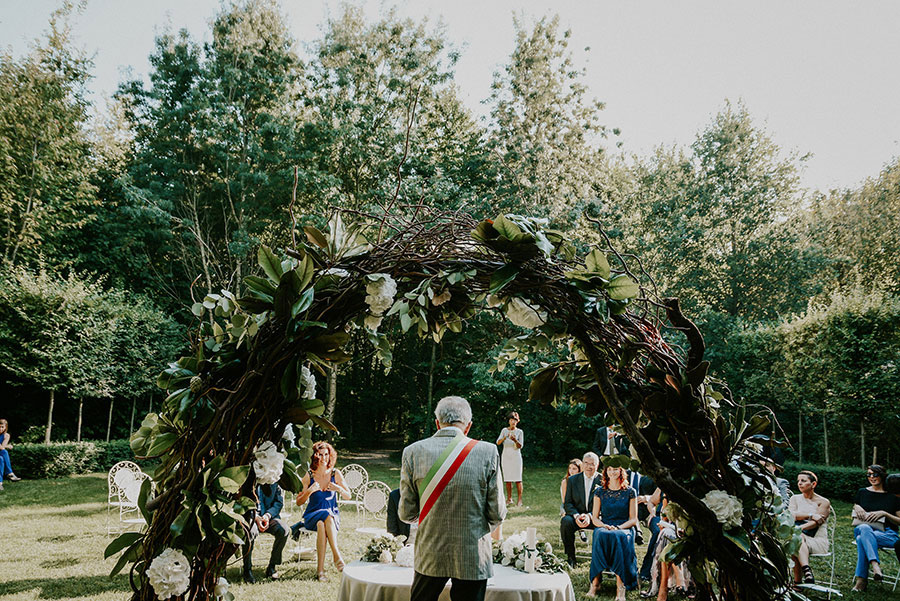A Wonderful Garden Wedding With Dinner In The Woods!0030