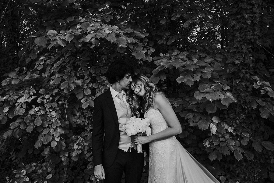 A Wonderful Garden Wedding With Dinner In The Woods!0034