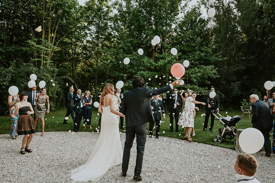 A Wonderful Garden Wedding With Dinner In The Woods!0043