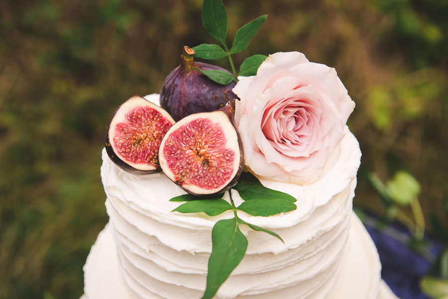 A Late Summer Renaissance-Meets-Fantasy Themed Bridal Shoot0000
