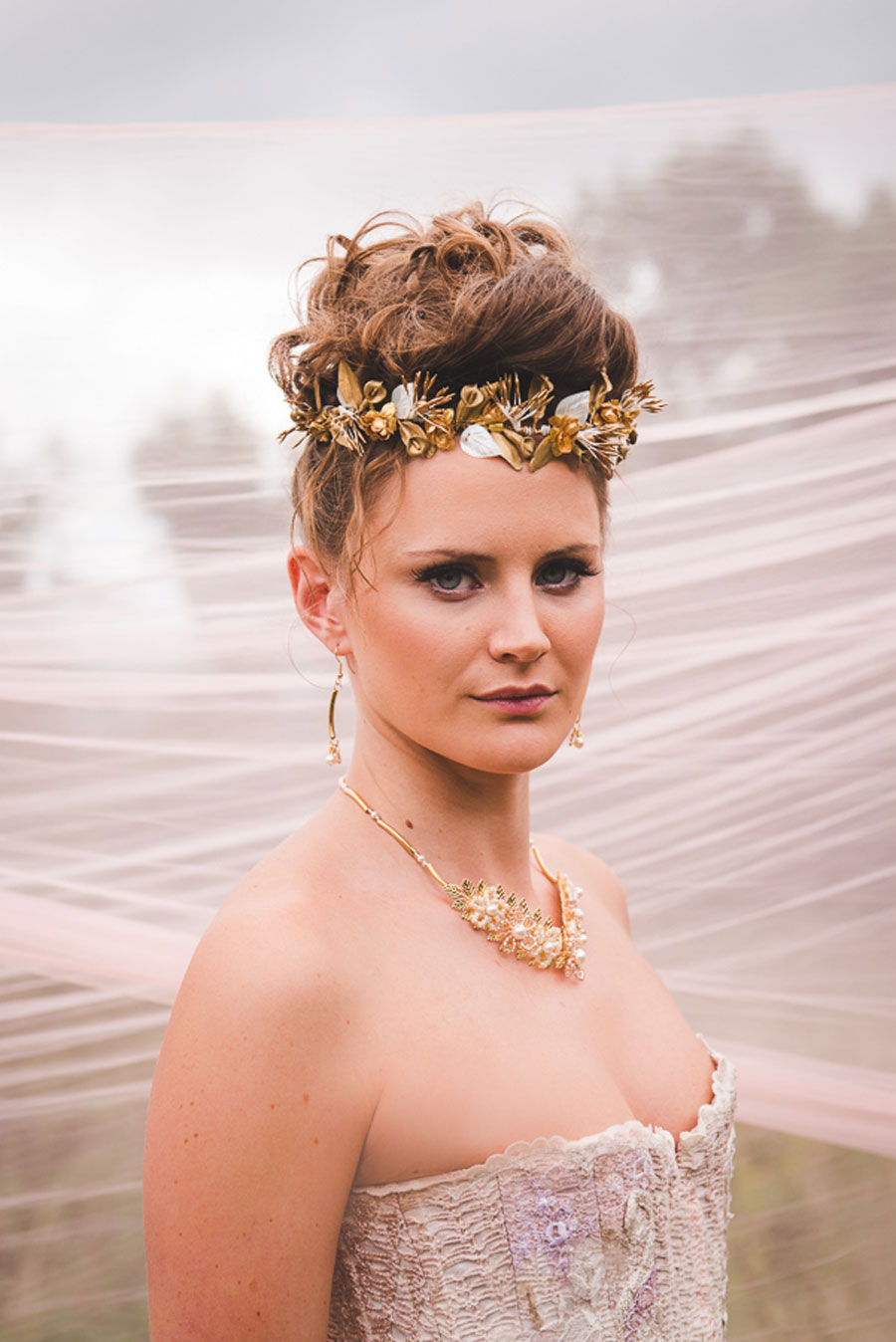 A Late Summer Renaissance-Meets-Fantasy Themed Bridal Shoot0030