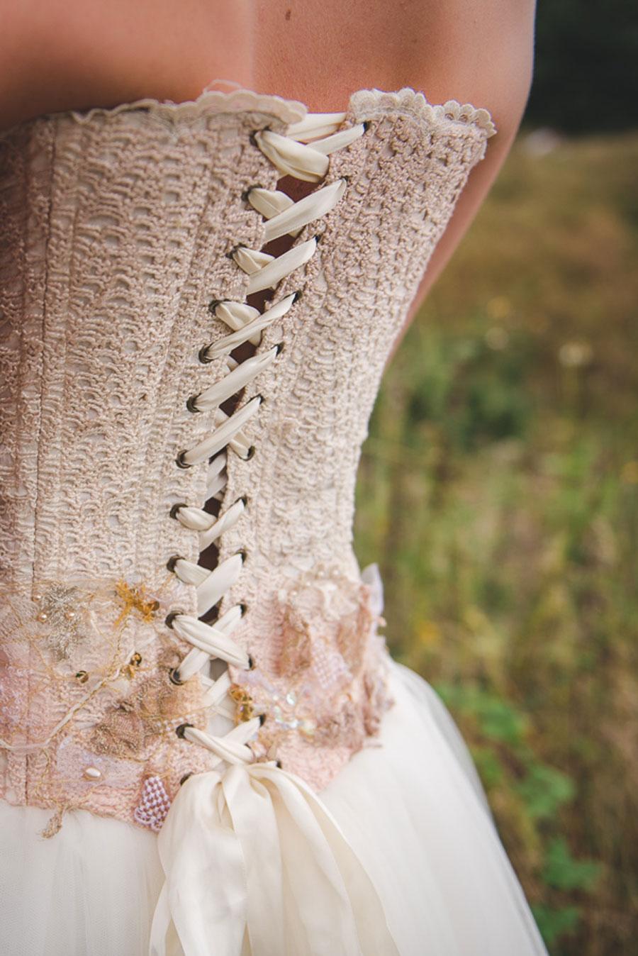 A Late Summer Renaissance-Meets-Fantasy Themed Bridal Shoot0037