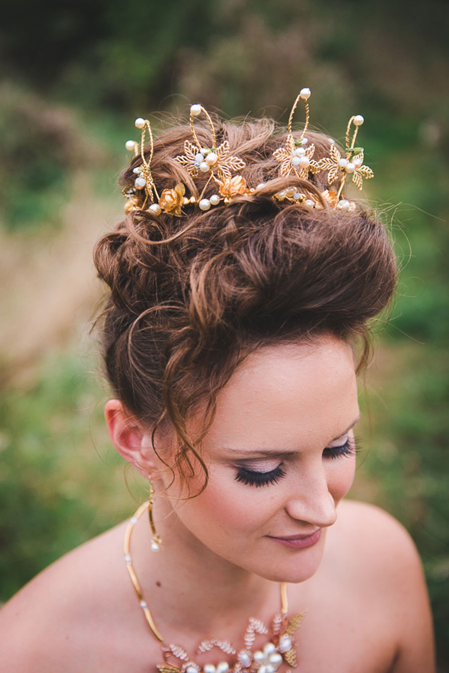 A Late Summer Renaissance-Meets-Fantasy Themed Bridal Shoot0054