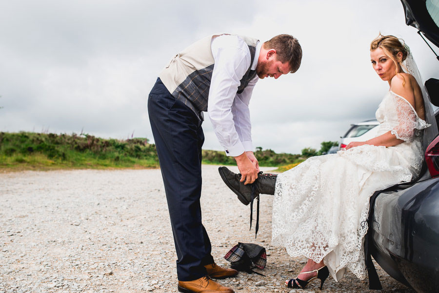 A Minimalist Rustic Wedding With Cornish Moors Backdrop0082