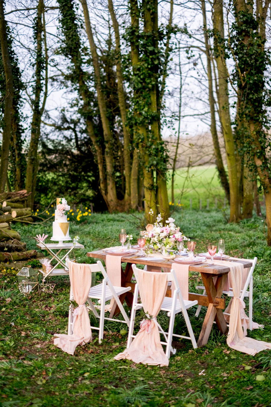 A Modern, Luxe, Woodland Shoot Featuring Geometric Elements, Metallic Touches And Lush Florals0031