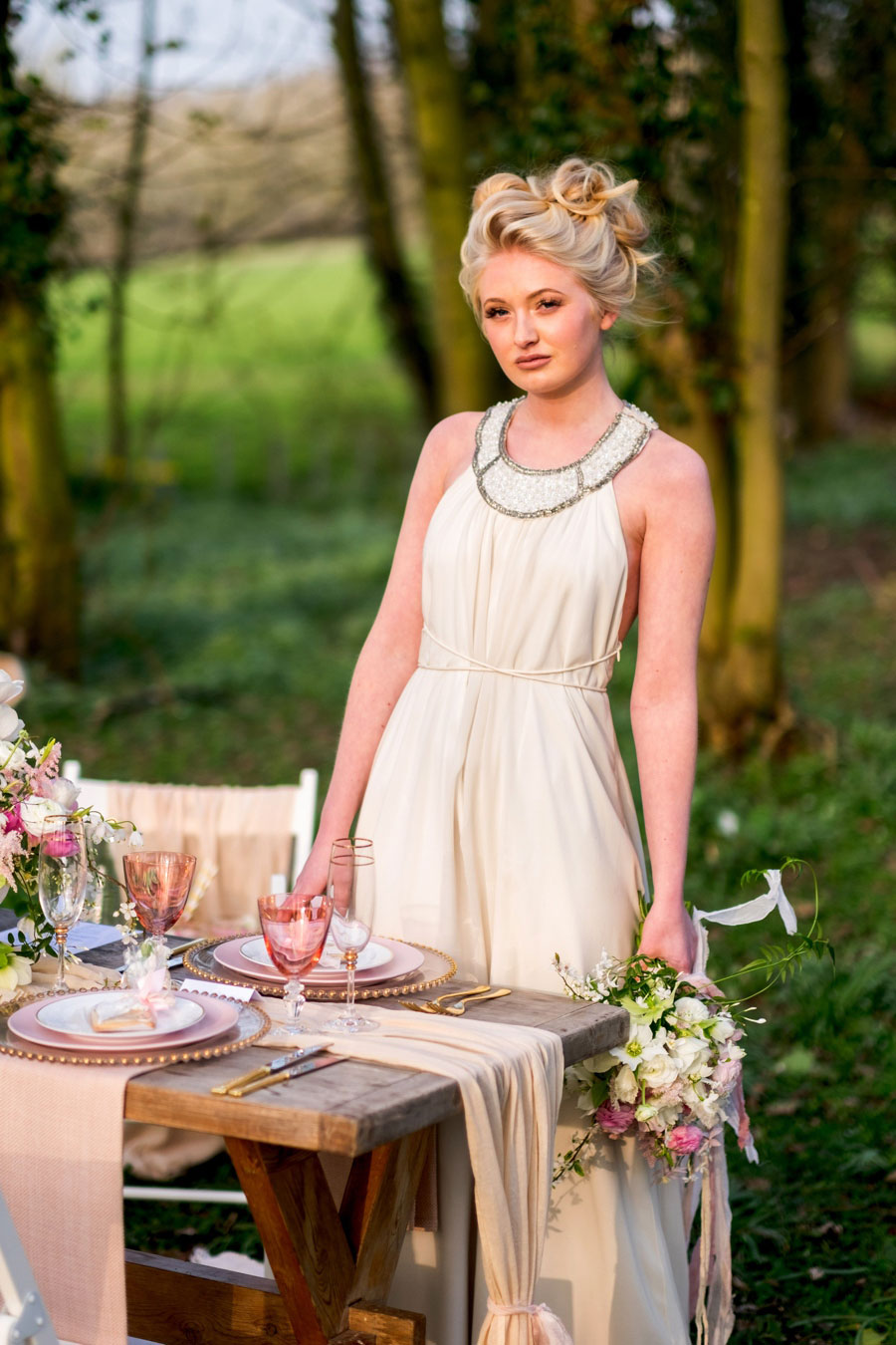 A Modern, Luxe, Woodland Shoot Featuring Geometric Elements, Metallic Touches And Lush Florals0037