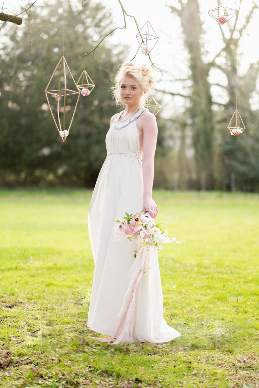 A Modern, Luxe, Woodland Shoot Featuring Geometric Elements, Metallic Touches And Lush Florals0045