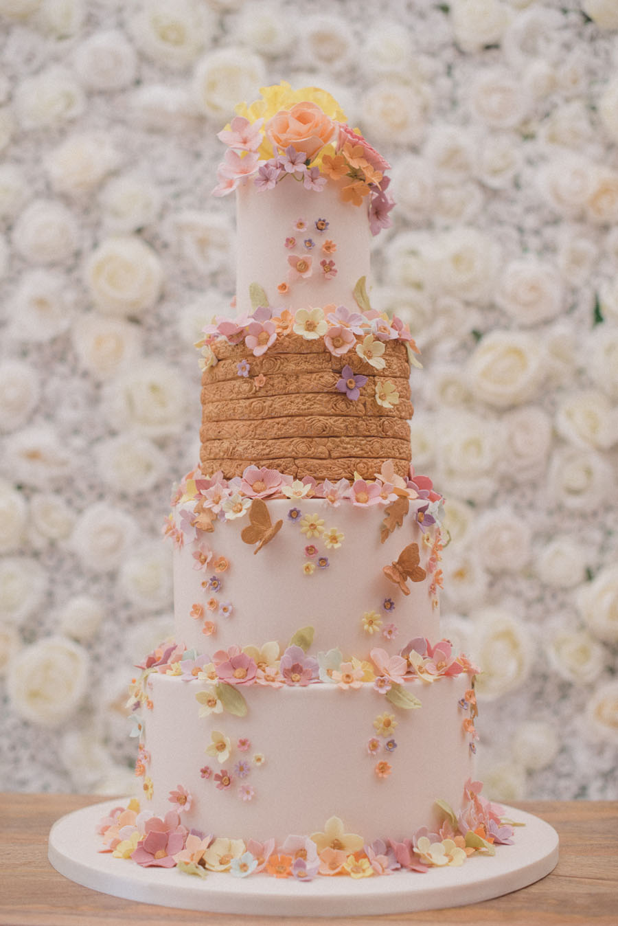 Bluebell-Kitchen-the-secret-garden-wedding-cake