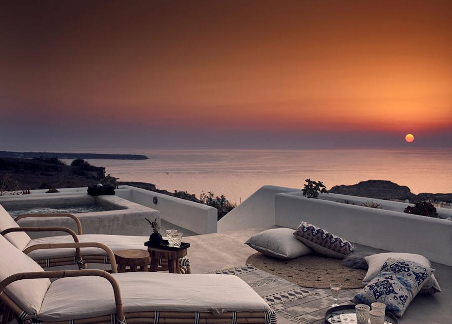 Santorini_Santo Maris Oia_Deluxe Suite terrace
