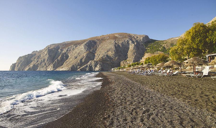 Santorini_kastelli_beach