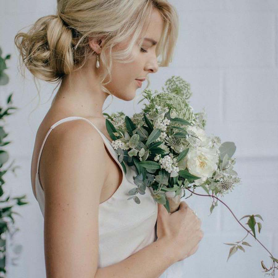 gold-pearl-drop-wedding-earrings-hermi-large_grande