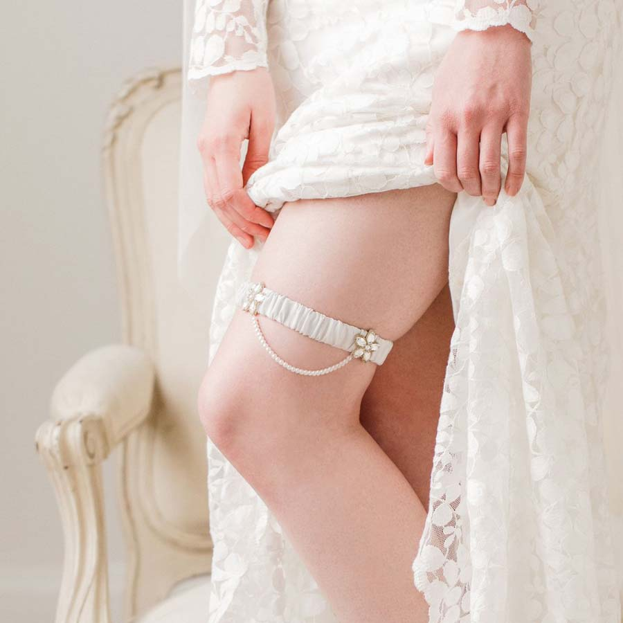 luxury-silk-wedding-garter-with-gold-beading-_iva_1024x1024