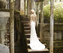 Amanda Wakeley Releases Gorgeous New Bridal Wedding Dresses 2017 Collection!