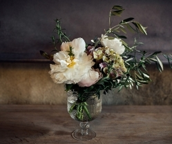 Should I Choose British Flowers For My Wedding Day?