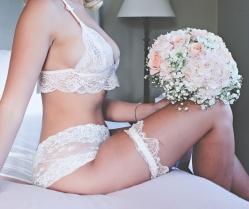 Boudoir… Oh, Boudoir: A Sensual & Sexy Bridal Editorial