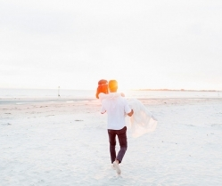 Down By The Sea! A Free-Spirited Elopement Editorial Shoot