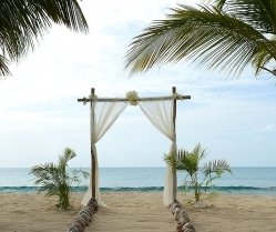 Gold & Champagne, Glam Beach | Destination Vow Renewal in Antigua: Sonia & Chris