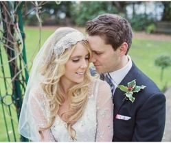 Gorgeous Winter Wedding With Christmas Touches And A Vintage Vibe