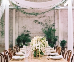 6 Simple Ways To Pull Off A 'Minimalist Chic' Wedding Theme!