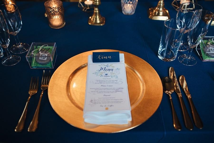 Atmospheric, Candlelit Navy & Gold Real Wedding: Liz & Matt